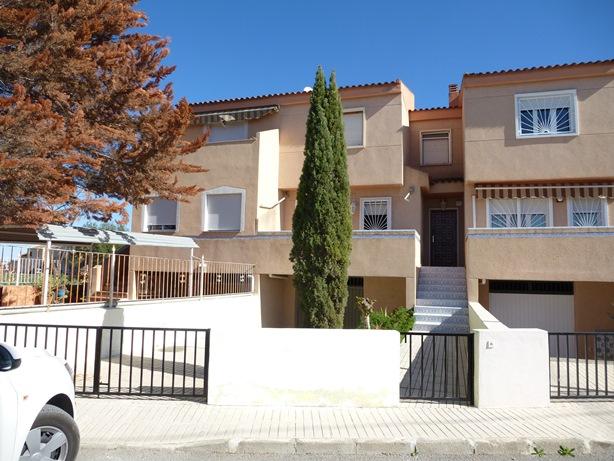 Acheter une revente villa ciudad quesada alicante for Acheter une villa